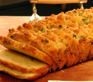 Cheese Bread with Gruyère, Cheddar and Scallions