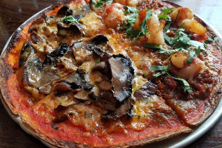 #87 Pizza Gruppo, New York, N.Y. (Shroomtown: Portobello, shiitake, button mushrooms, truffle oil, marinara, mozzarella)