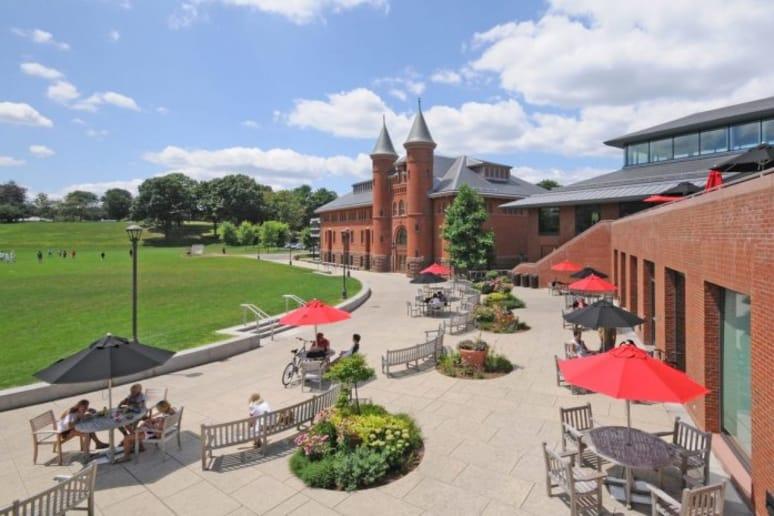 #40 Wesleyan Universit (Middletown, Conn.)