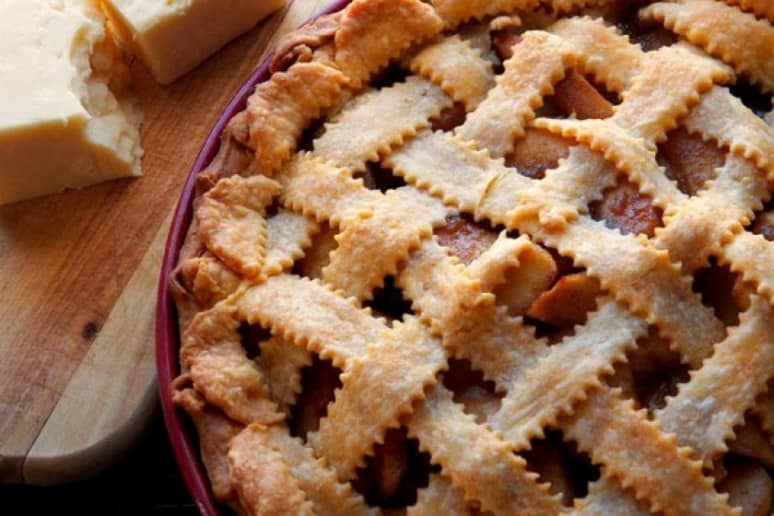 Cheddar Cheez-It Apple Pie