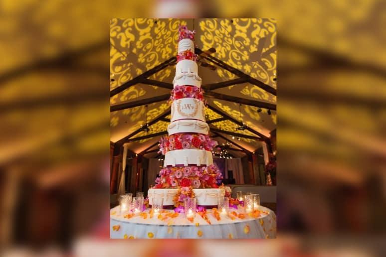 35 JawDropping Wedding Cakes