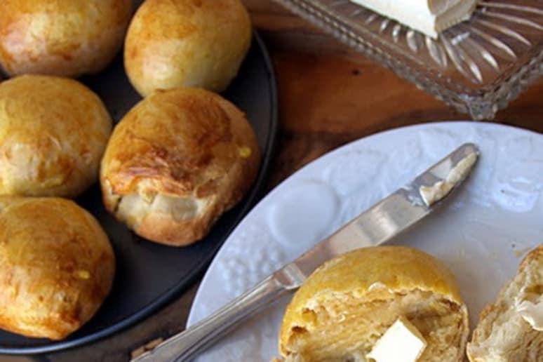 Monay filipino bread rolls recipe by malou perez nievera monay filipino bread rolls forumfinder Choice Image
