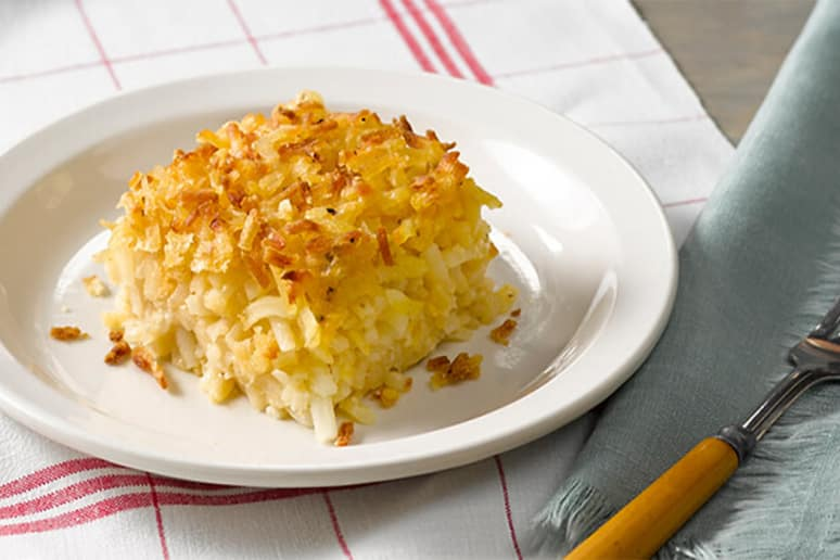 Delicious Cracker Barrel Hashbrown Casserole That You Can Make At Home.