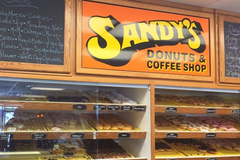 North Dakota: Sandy's Donuts, Fargo