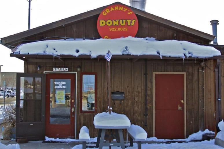 Montana: Granny's Gourmet Donuts, Bozeman