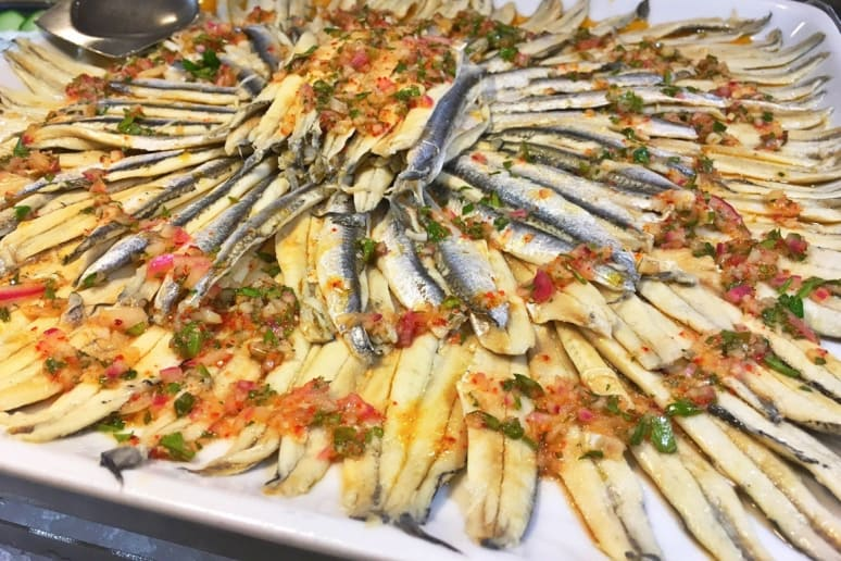 Terrace Café: White Anchovies With Tomato and Onion Relish