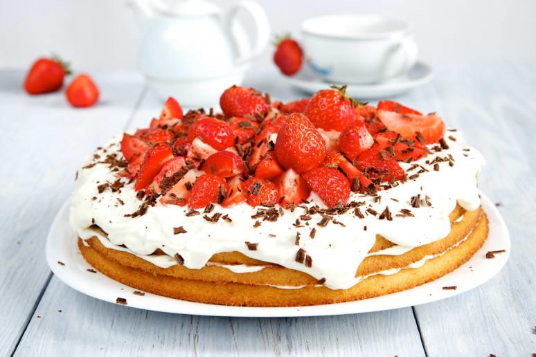 Strawberry Angel Food Cake