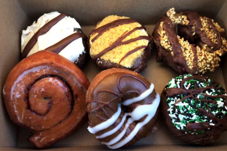Michigan: Sweetwater's Donut Mill, Kalamazoo