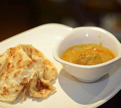 Malaysian Flying Bread (Roti Canai)