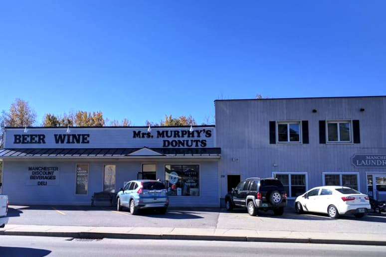 Vermont: Mrs. Murphy's Donuts, Manchester