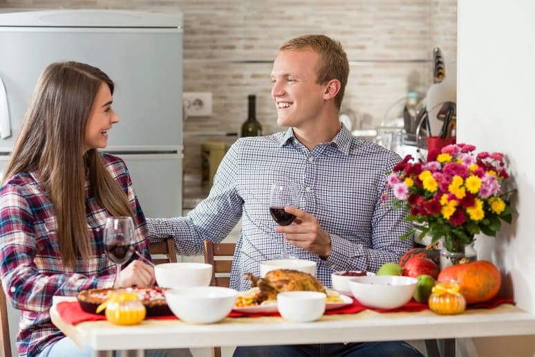 How to Plan a Romantic Thanksgiving