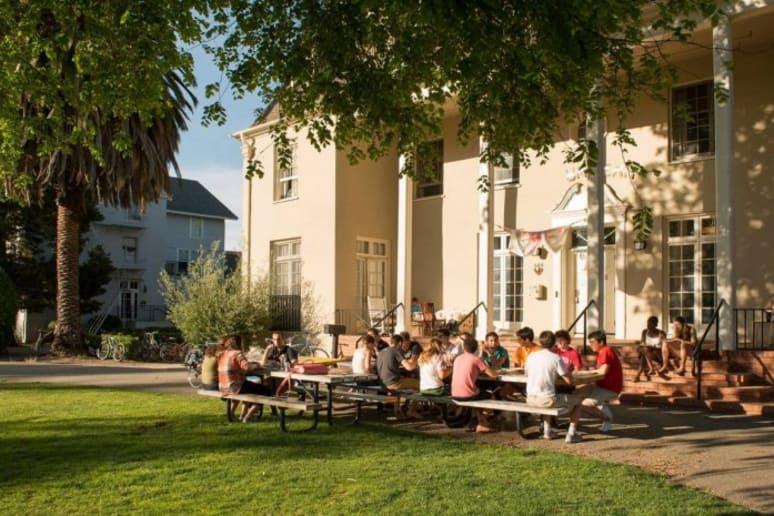 #27 Stanford University (Stanford, Calif.)