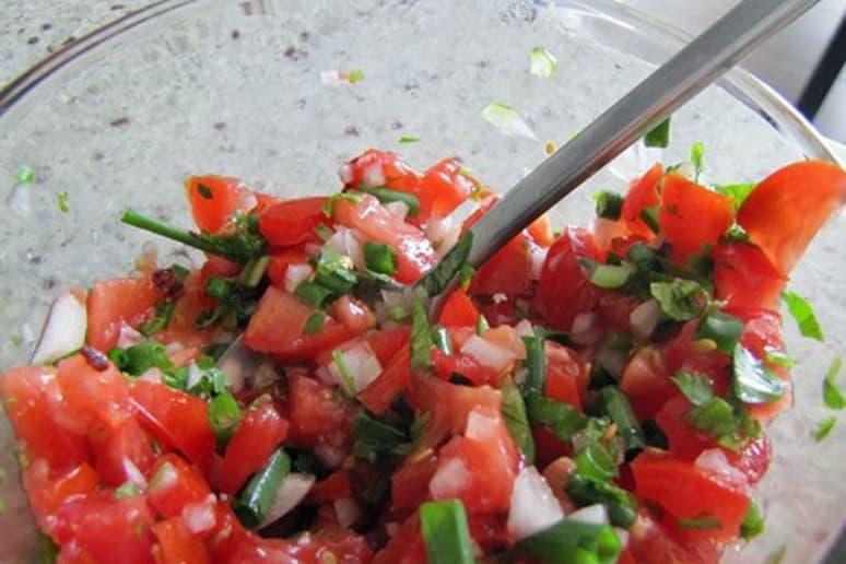 Fresh Tomato and Garlic Scape Salsa