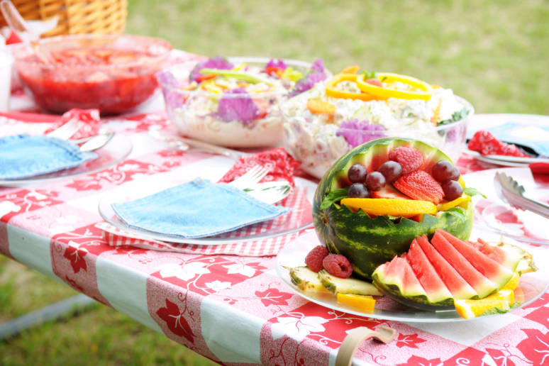 Be Timely With Food at Picnics