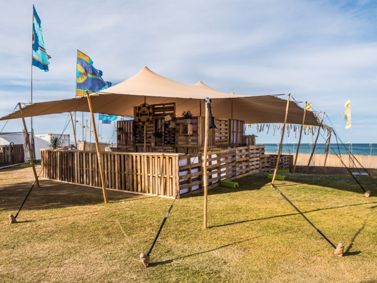 Sand Stretch Tent with Custom Pallet Bar