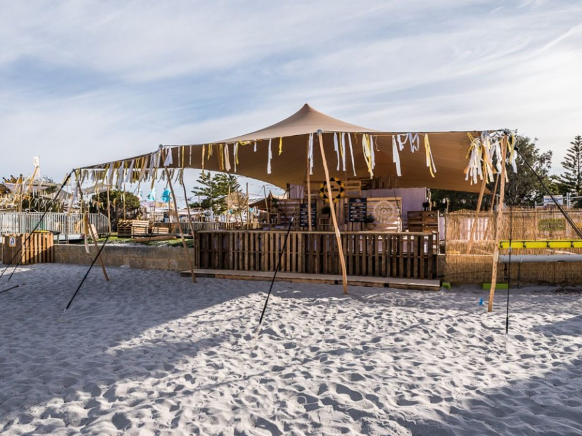 Beach Bar with Stretch Tent