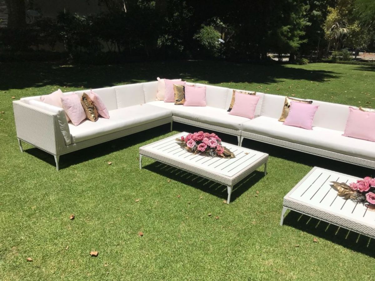 White Rattan Lounge Setting