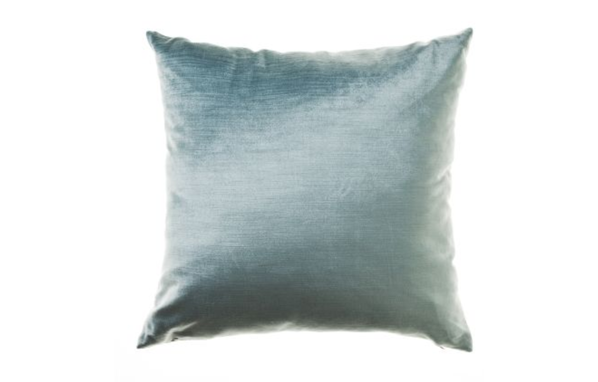 Soft_Blue_Velvet_Cushion