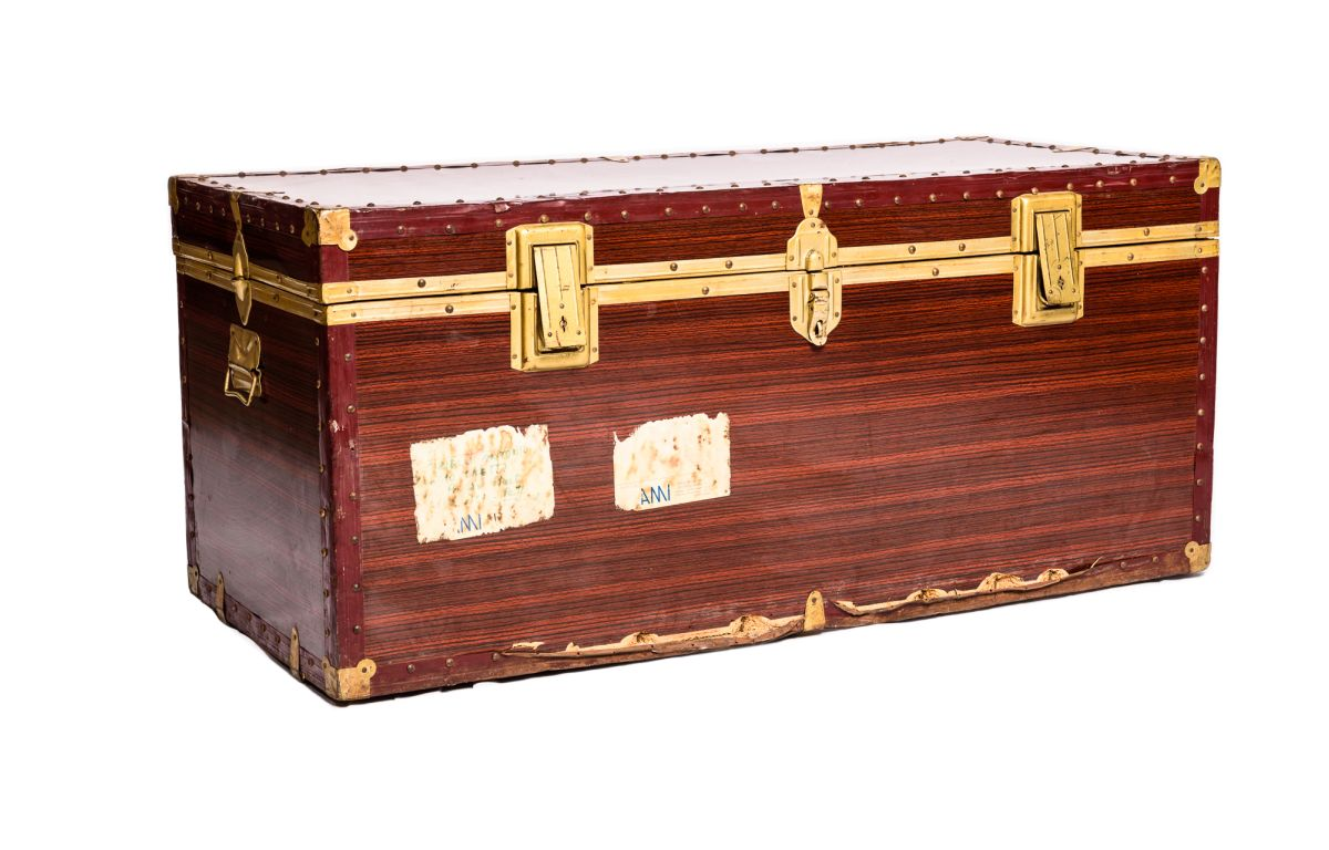 Wooden_Style_Large_Trunk