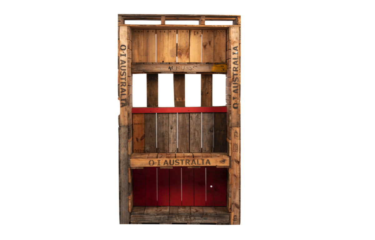 Pallet_Back_Bar_Wall_with_cubby_and_shelf