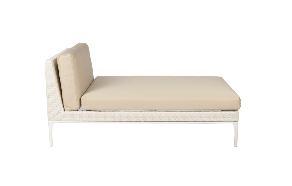 Latte_Cushion_Chaise