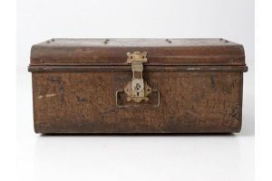 Photograph of Brown Metal Trunk Large