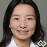 Chinese Personal Finance Expert Headshot