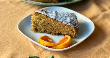 Torta con succo e marmellata d'arancia e pezzetti di cioccolato fondente