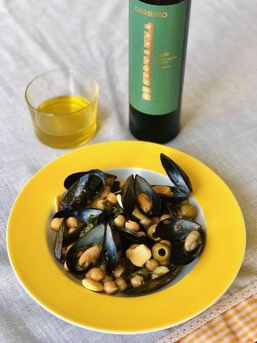 cozze-lupini-ceci-salmoriglio - con olio extravergine d'oliva Gerbino Di Giovanna