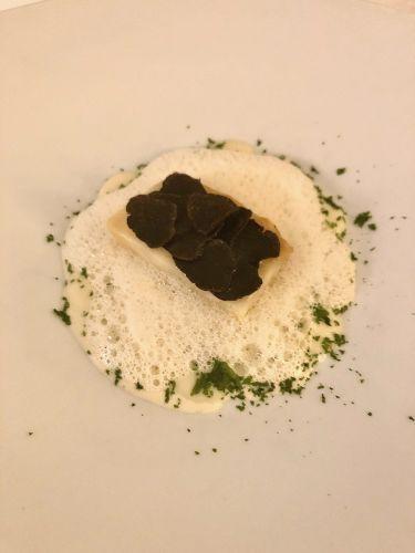 ristorante valentin a lindau - antipasto sedano rapa, schiuma di tartufo bianco, crema di sedano rapa, tartufo nero