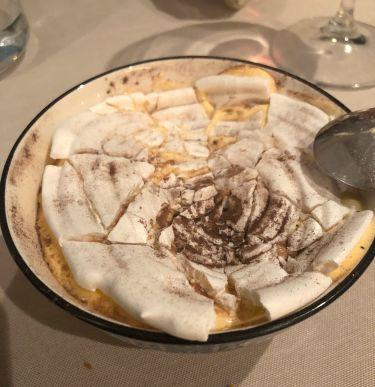 Ristorante Tocco D'oro a Comiso - Meringa, crema spumosa di zabaione, gelato al caffè, cake al cioccolato e caffè