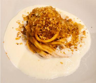 Ristorante Tocco D'oro a Comiso - Tagliolini con ragù di tonno su crema spumosa di caciocavallo siciliano