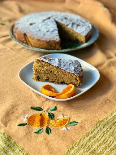 torta all'arancia con pezzetti di cioccolato fondente e marmellata d'arancia - dettaglio