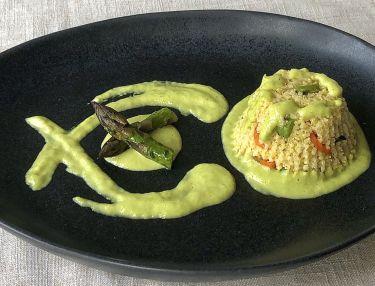 tortino al miglio, verdure miste, asparagi con crema asparagi e pecorino - cover