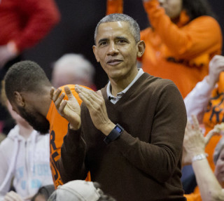 President Obama Wears a Smartwatch, the World Reacts