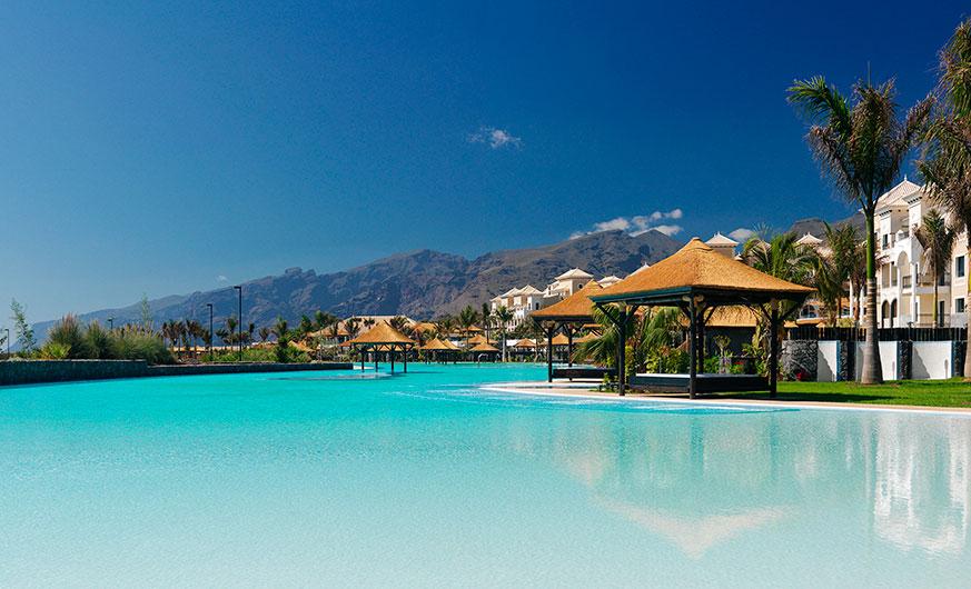 palacio de isora swimming pool