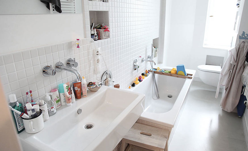 berlin city escape bathroom