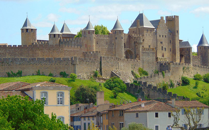 languedoc roussillon france castle