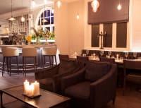 Amalfi White bar area