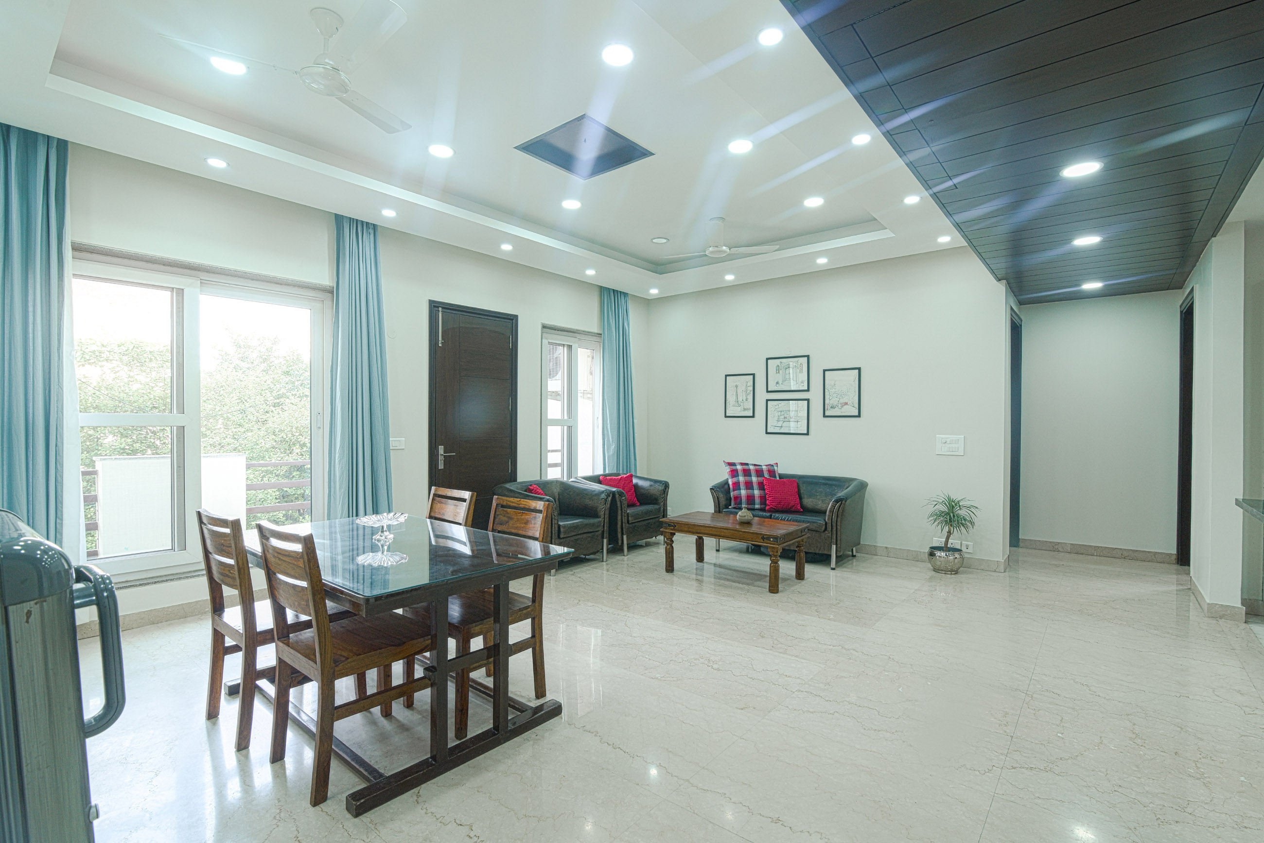 Perch Grove - Golf Course Road, 3 BHK, Dining Table