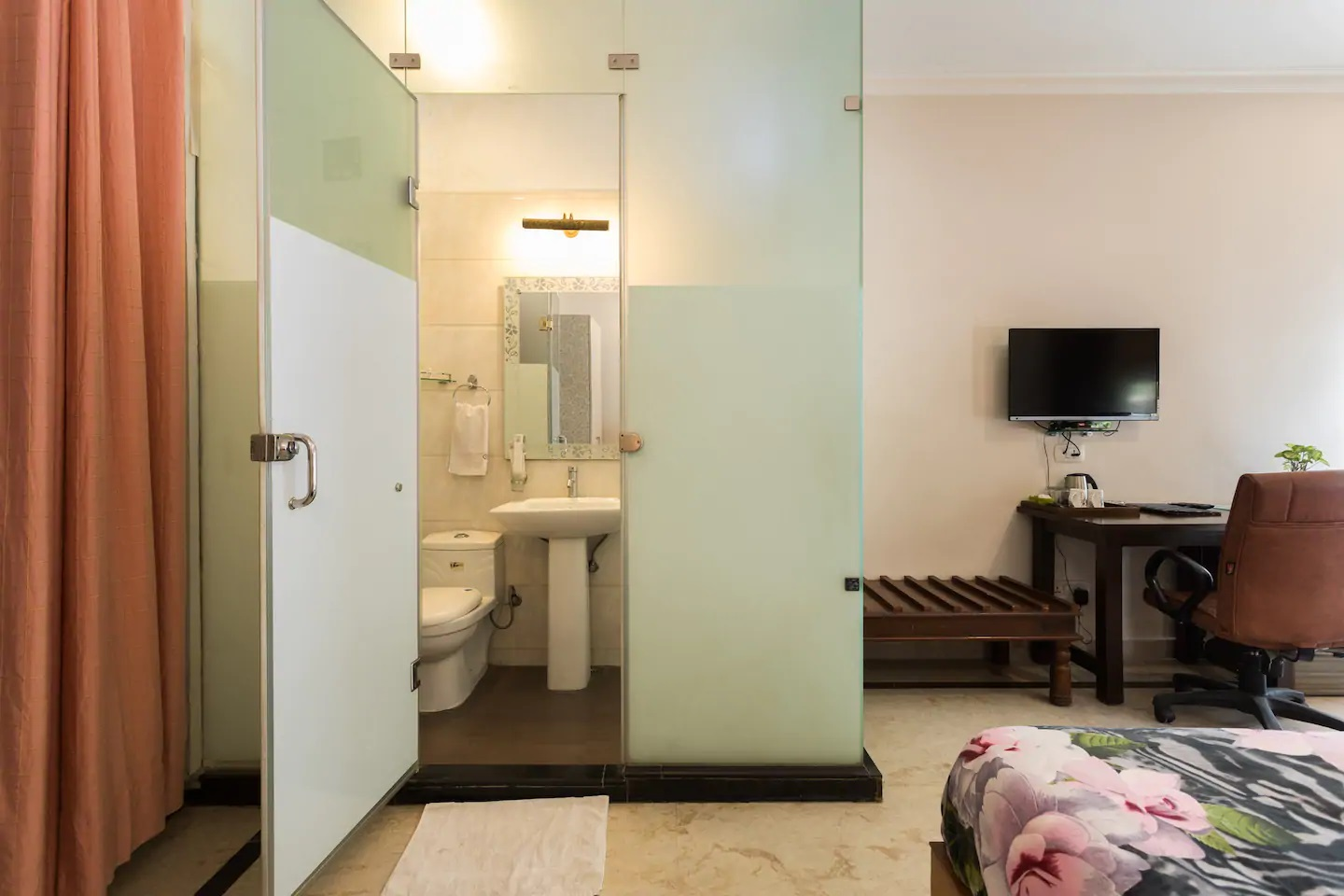 Perch Arbor Suites, Winsome Room, washroom