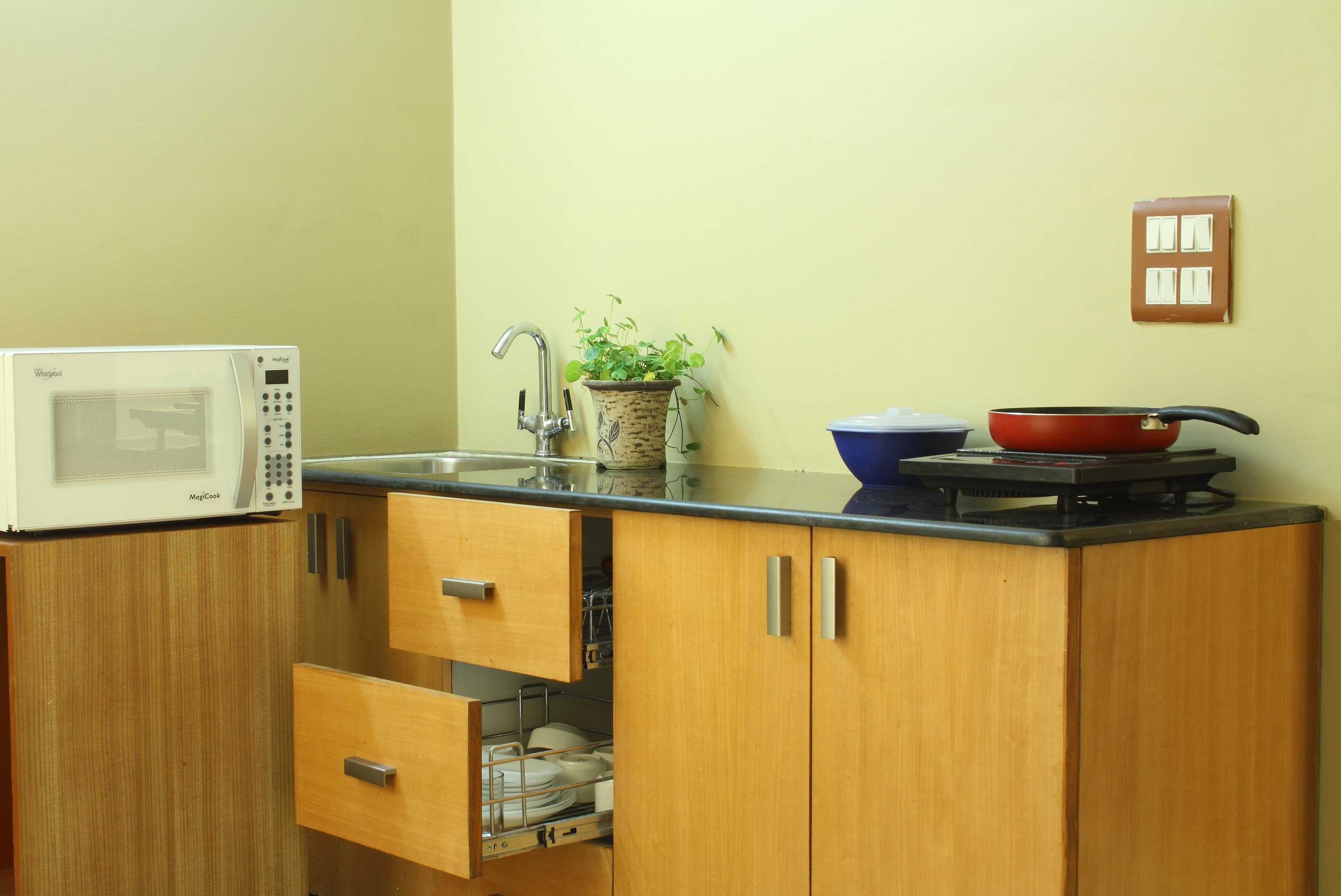 Sterling Room with Kitchenette, Kitchen