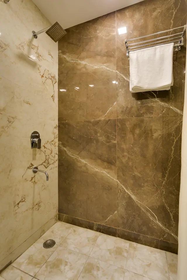 Classic Room - Bathroom