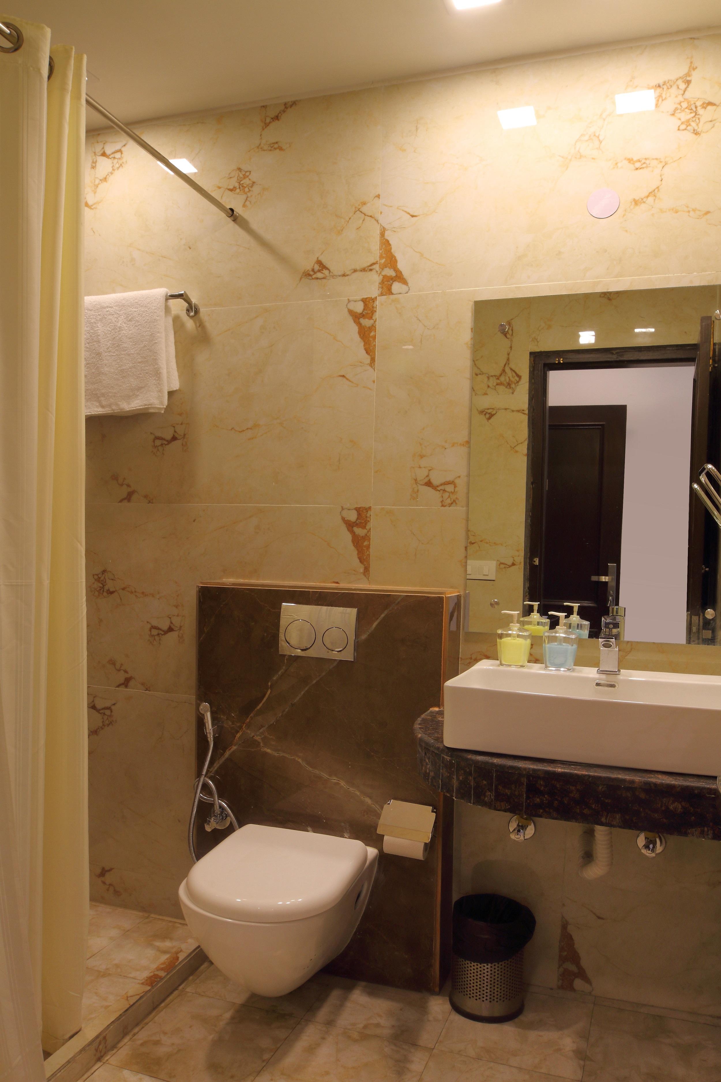 Winsome Room - Bathroom