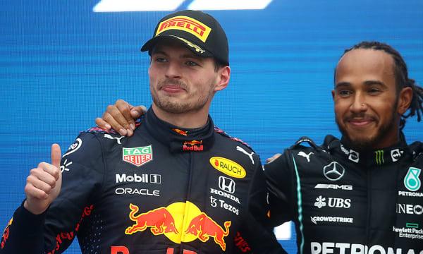 Dois vencedores:  Hamilton vence GP da Rússia e Verstappen faz corrida incrível chegando em segundo