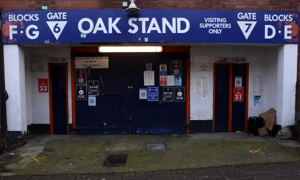 Luton Town v Reading - Emirates FA Cup - Third Round - Kenilworth Road