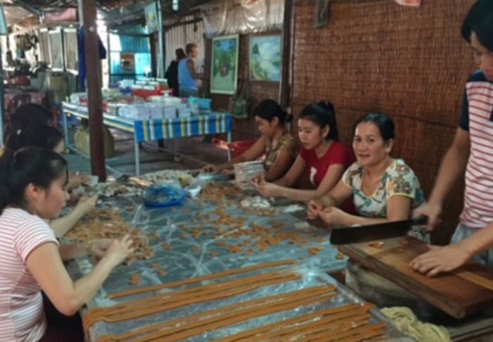 Mekhong Delta & Cai Be Village - Making Coconut Cane Candy 100% Organic in Mekhong Delta & Cai Be Village, Ho Chi Minh
