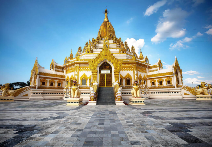 Maha Myat Muni Pagoda in Maha Myat Muni Pagoda, Mandalay