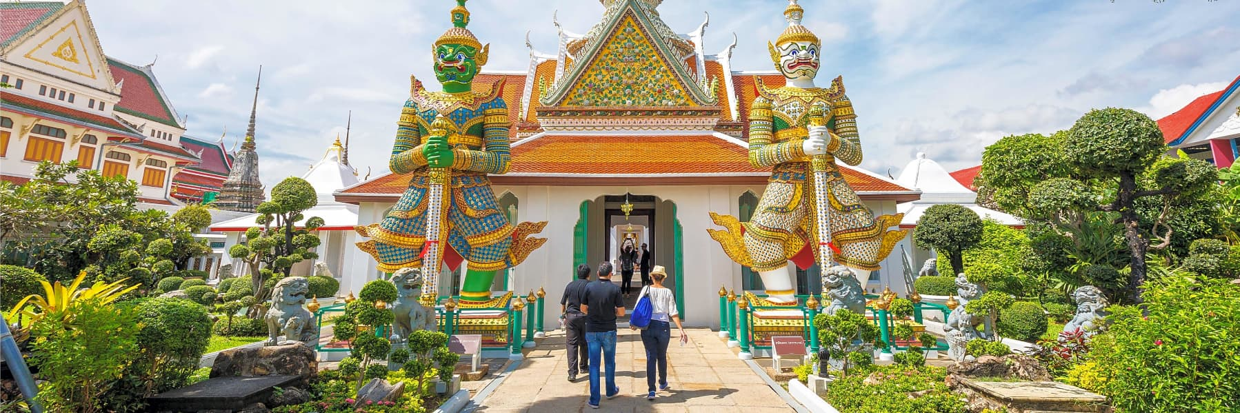 Bangkok Temples Instagram Tour: Wat Arun, Wat Pho & Wat Saket (Small Group)– Half Day gallery