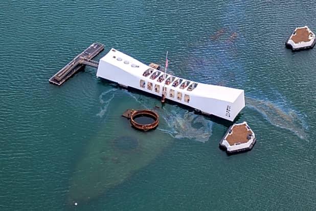 Pearl Harbor Tours >> Honolulu Pearl Harbor Iolani Palace Uss Arizona Memorial Tour Half Day